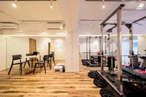 Apple gym 店舗デザイン 店舗設計